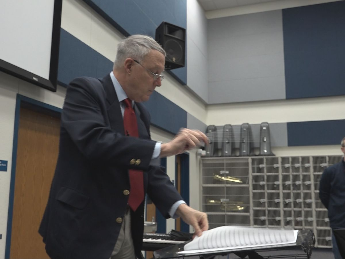 Retired Colonel of Army Band visits Frenship Middle School students