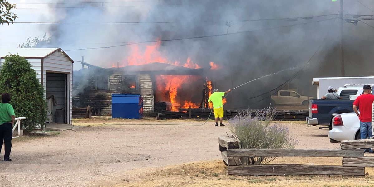 VIDEO: 2 duplexes destroyed by Slaton fire