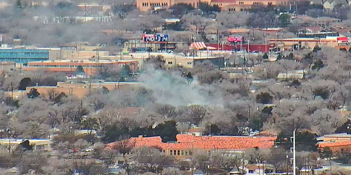 Emergency crews working to contain fire in central Lubbock