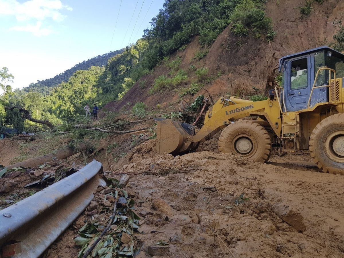 Typhoon, landslides leave 35 dead, 59 missing in Vietnam
