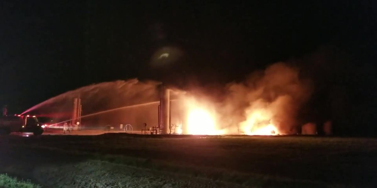 Levelland Fire Department fights tank battery fire