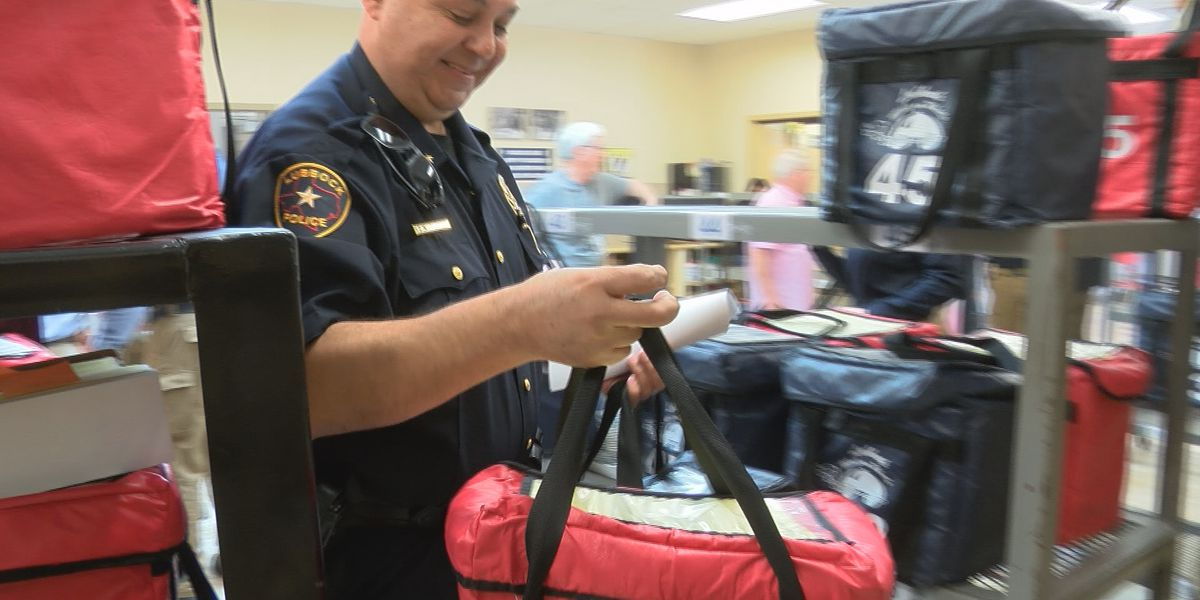 Lubbock area Law Enforcement Agencies team up to deliver hot lunches for Meals on Wheels