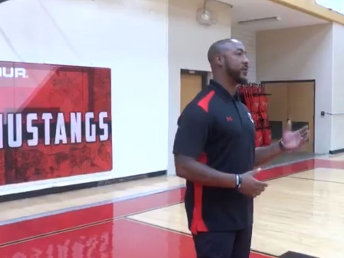 "Coronado boys basketball coach sings, says he's ""too blessed to be stressed"""