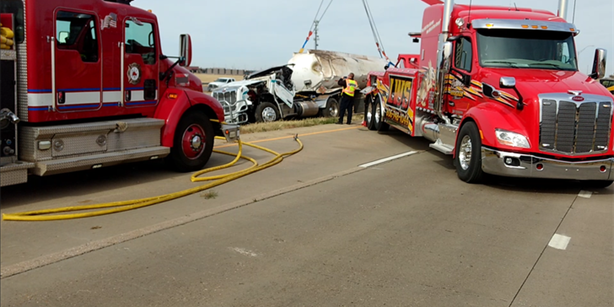 DPS identifies victim in fatal semi-truck rollover in Plainview