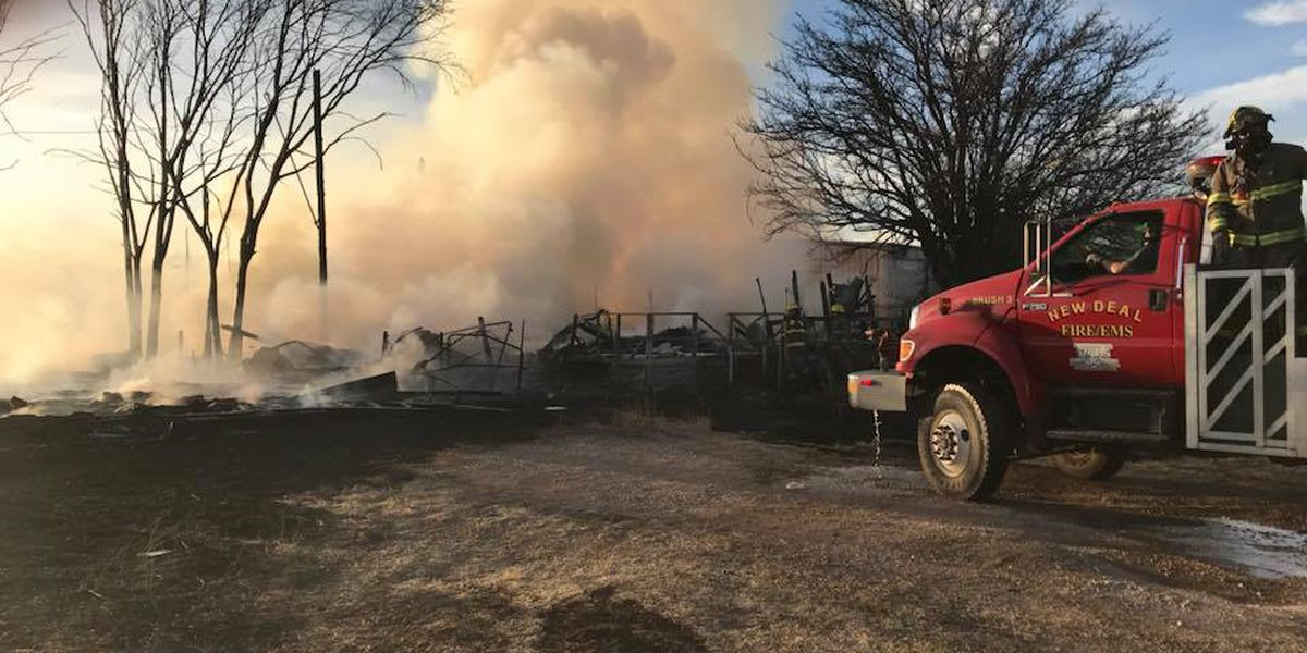 Northeast Lubbock fire takes 2 homes